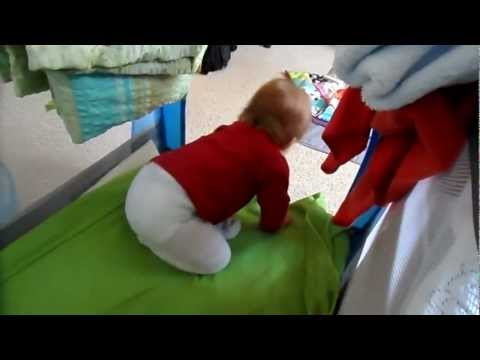 Baby Falls Off Bed. Jak Snadno Opustit Postel.
