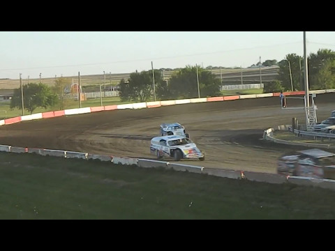 25! Modified Heat Race Beatrice Speedway 05/05/2017