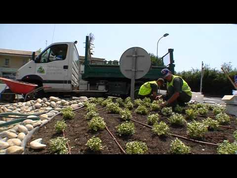 Clip unep m tier jardinier paysagiste youtube for Travail paysagiste jardinier