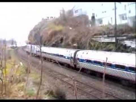 Amtrak 285 Empire Service dp Hudson NY for Albany-Rensselaer