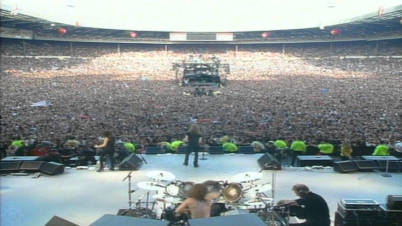 Metallica - Nothing Else Matters Live Wembley 1992 - YouTube