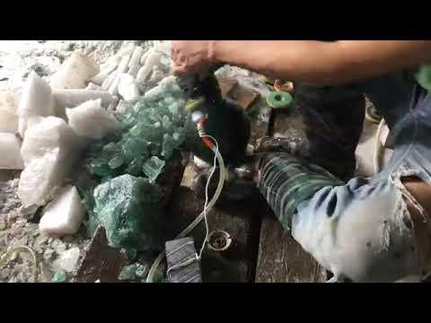cách làm quả cầu đá phong thủy tại xưởng chế tác đá Hà Nguyễn