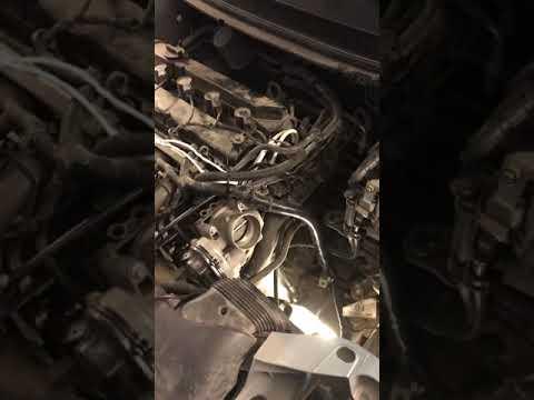 Форд фокус 2 мотор 1.8 на не прогретом двигателе при движении падают обороты ( переливает)