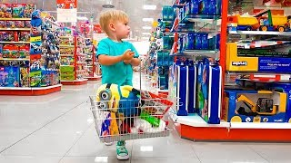 Дэни покупает игрушки Deni go to Shopping in Toy Store Let`s go shopping song for kids