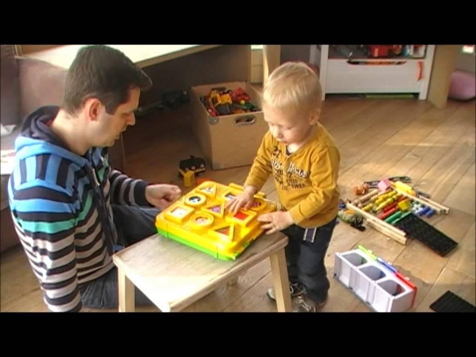Kind 2 jaar fijne motoriek youtube for Poppenhuis kind 2 jaar