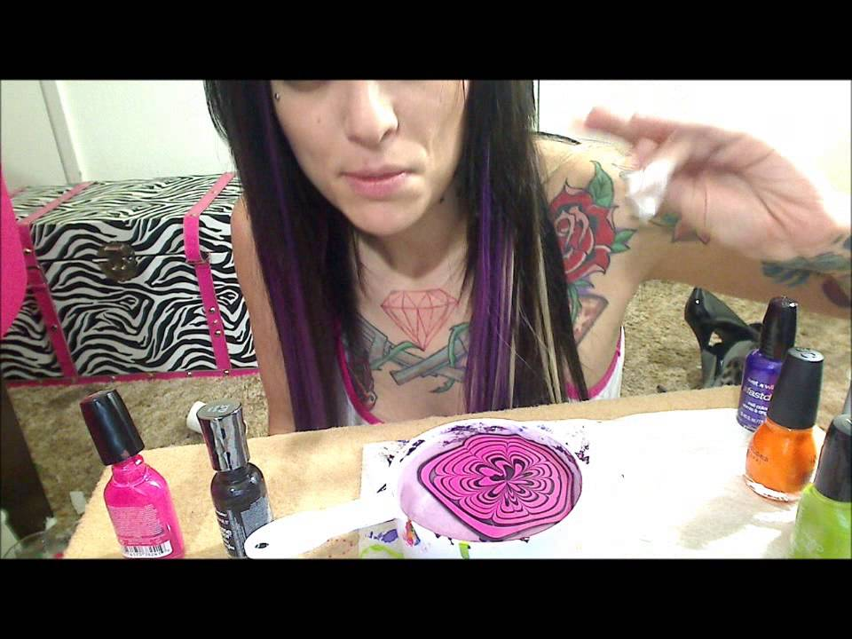 The right and wrong way to do Water Marble Nails - YouTube