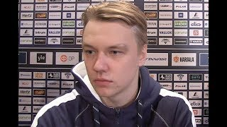 """A-maajoukkueen ensikertalainen, maalivahti Veini Vehviläinen: """"Virtaa ja motivaatiota riittää"""""""