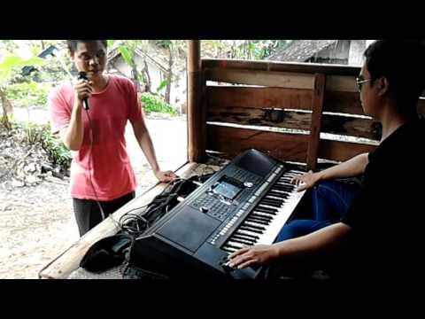 dua musisi tunanetra nyanyi lagu hargadiri