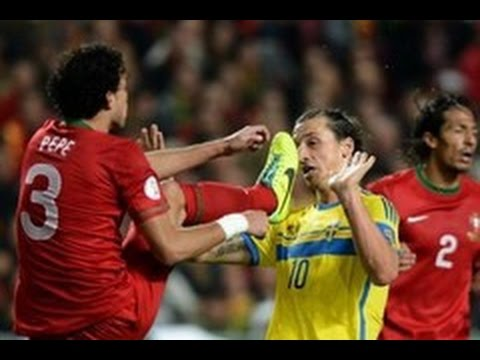 Football Violence ● Crazy Fights ●...