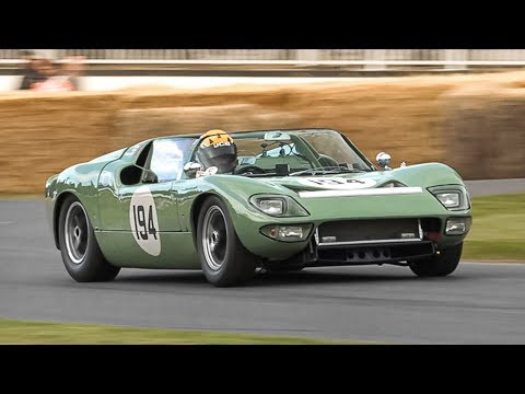 1965 Ford GT40 Roadster Prototype attacking Goodwood's hillclimb course!