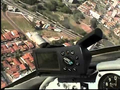 Voando em um avião caseiro (2006) - CASSIANO ROLIM