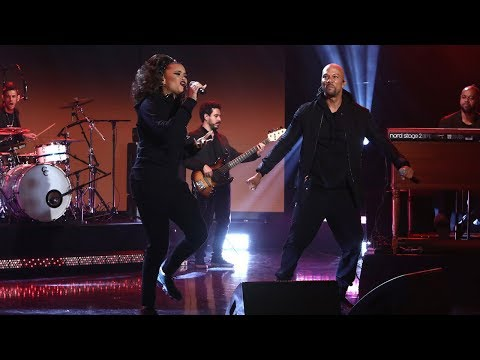 Andra Day and Common Perform 'Stand Up for Something'