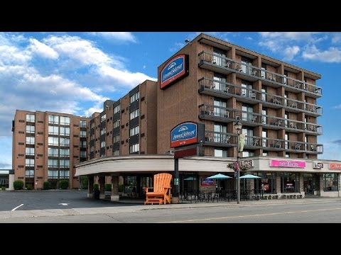 Hotel Room Tour; Room 502 @ Howard Johnson Hotel By The Falls, Niagara Falls ON