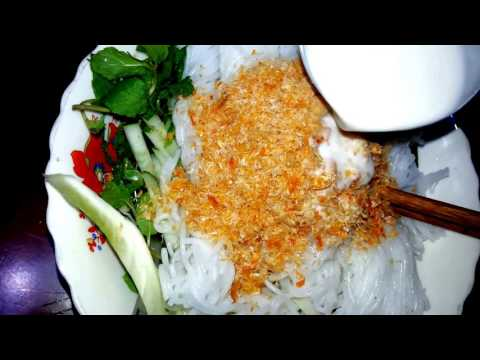 Asian Food - Vegetarian Soup And Kampot Noodles - Cambodian Food