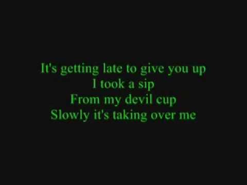toxic lyrics britney spears - YouTube