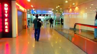 Смотреть видео  в аэропорту турции