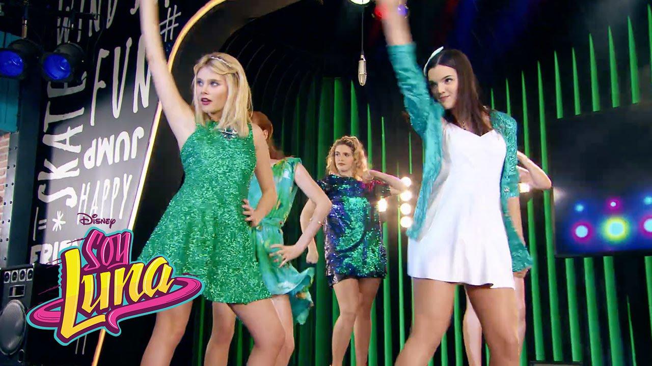 Ámbar y las chicas cantan Mírame a mí | Momento Musical