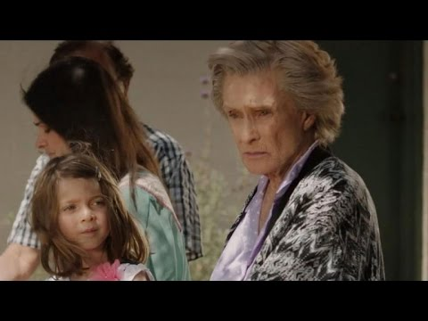 Cloris Leachman Carries Around Her Dead Dog in 'This Is Happening'