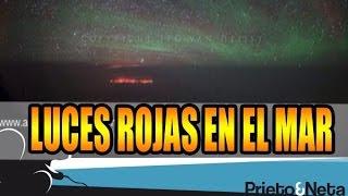 ESPELUZNANTE: Piloto fotografía luces rojas en el fondo del mar