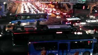 解百天桥上看延安路青年无轨电车