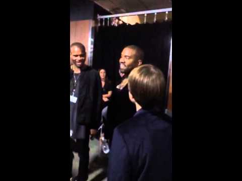 Kanye West Extremely Nice To a Fan!!!