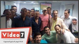 بالفيديو والصور.. السقا والمخرج أحمد شفيق يزوران مقر