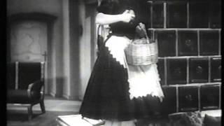 "Paula Wessely - ""Hörst du´s klingen"" (Gesangsszene aus ""Die Julika"", 1937)"