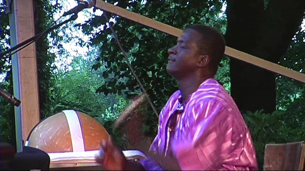 vieux-farka-toure-afh36-afrikafestival-hertme
