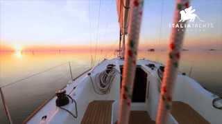 Italia Yachts 10-98 Sail Republic