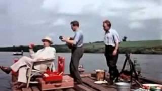 Плыла качалась лодочка по яузе реке песня