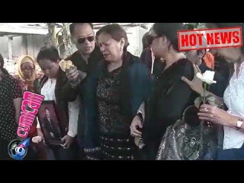 Hot News! Tangis Perpisahan Istri di Pemakaman Benny Panjaitan - Cumicam 26 Oktober 2017