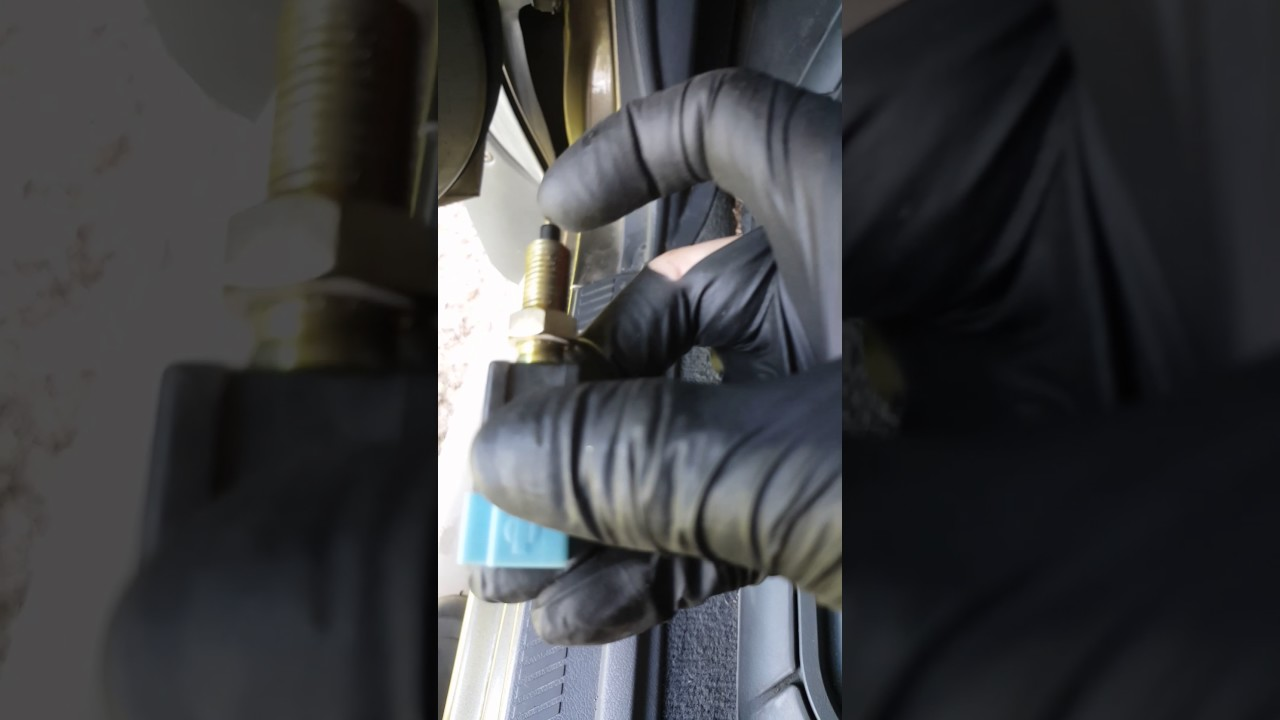 2002 2004 Nissan Xterra Brake Light Switch Fix Youtube 2001 Frontier Tail Wiring Diagram