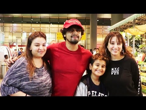 Singer Sonu Nigam Family With Wife, Son And Sister Spotted At Airprot | Bollywood Events