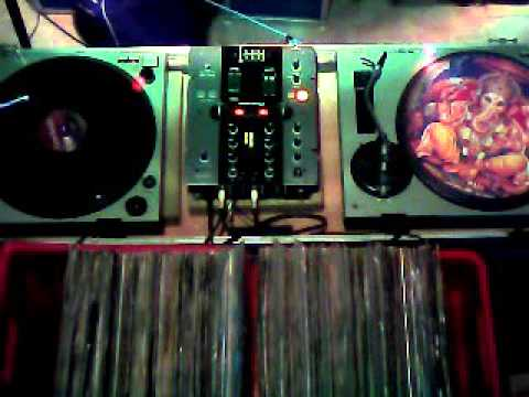 DJ Pat at work Retro Vinyl Session East Belgium 06 01 2016