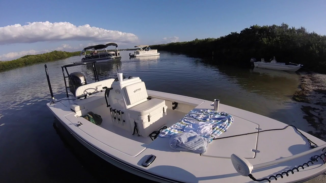 The New Hewes Redfisher 18 Arrives! - Lazy Locations - Florida