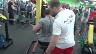 видео Фотошоп (Photoshop) - Как увеличить мышцы или сделать КАЧКА