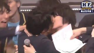 OMG THEY REALLY KISSED! XD Left: Yoshizawa Ryo Right: Kamiki Ryunos...