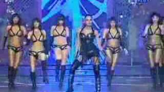 Bipasha Basu performing Star screen awards 2009