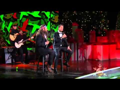 "Duck Dynasty | Willie Robertson & Luke Bryan Sing ""Hairy Christmas"""