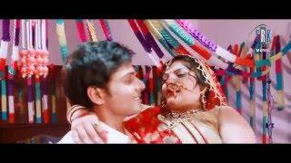 Repeat youtube video Aaj De Da Tu Aapan Jawani | Bhojpuri Movie Suhag Raat Song | Wedding Night Song
