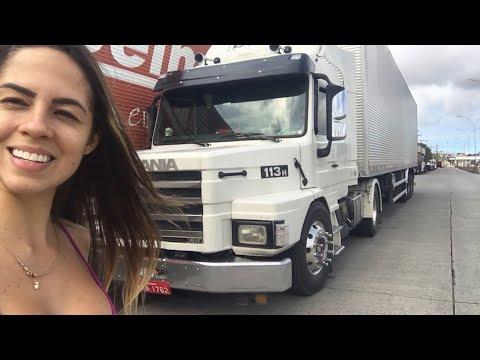 113 TOOP Ela não pode ver um caminhão que quer filmar,