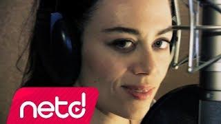 Multitap feat. Demet Evgar - Bu Şarkıyı Dinliyorsan mp3 indir