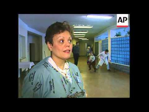 RUSSIA: ST PETERSBURG HOSPITAL: US SURGEONS OPERATE ON CHILDREN
