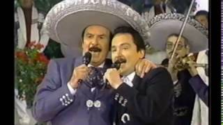 ANTONIO AGUILAR Y JR  ALTA Y DELGADITA YouTube Videos