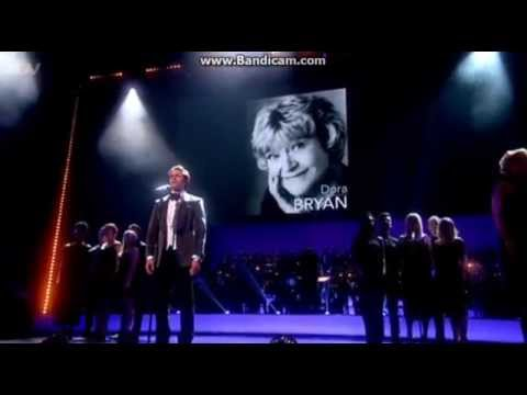 Julian Ovenden performs 'Smile' at the 2015 Olivier Awards