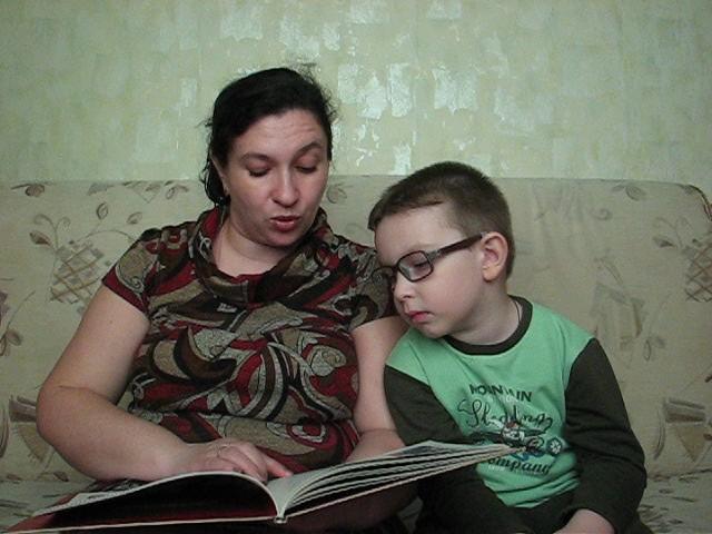 Изображение предпросмотра прочтения – ТатьянаЗавьялова читает произведение «Богатыри земли русской» (Русский фольклор )