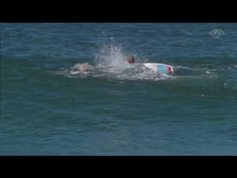 Tubarões aparecem e Mundial de Surfe é interrompido