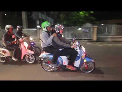 SAHUR ON THE ROAD JCO JAKARTA. (AREA PAK ARI)