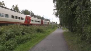 13.08.2011 passenger train H405 passes Koskela, Exceptionally Sm3 Pendolino train frame.