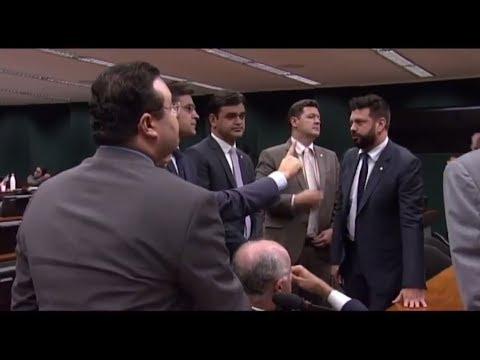 Acordo adia votação de recurso que pode paralisar comissões durante intervenção - 23/05/2018